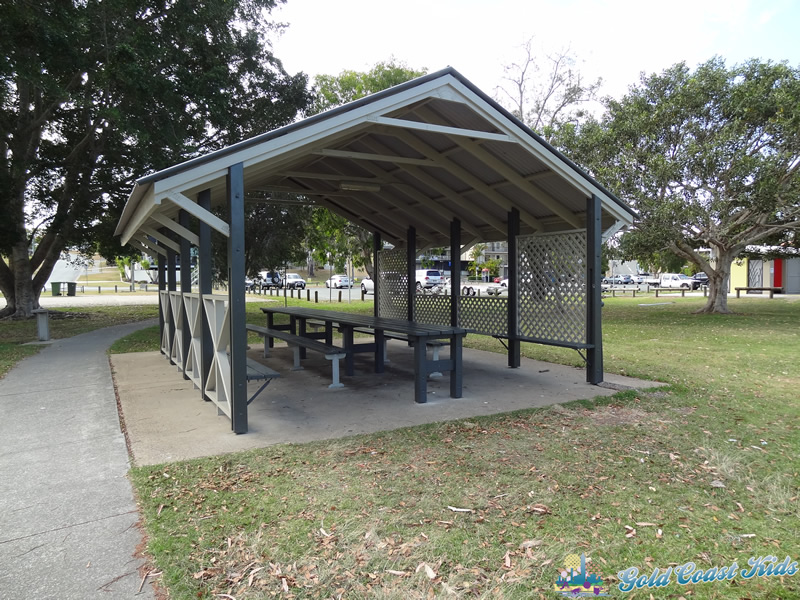 Photo of picnic table at Charles Holm Park