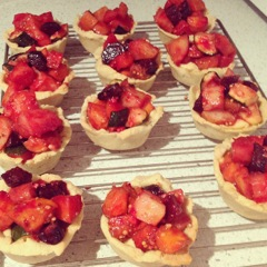 Roasted vegetable and hummus tarts